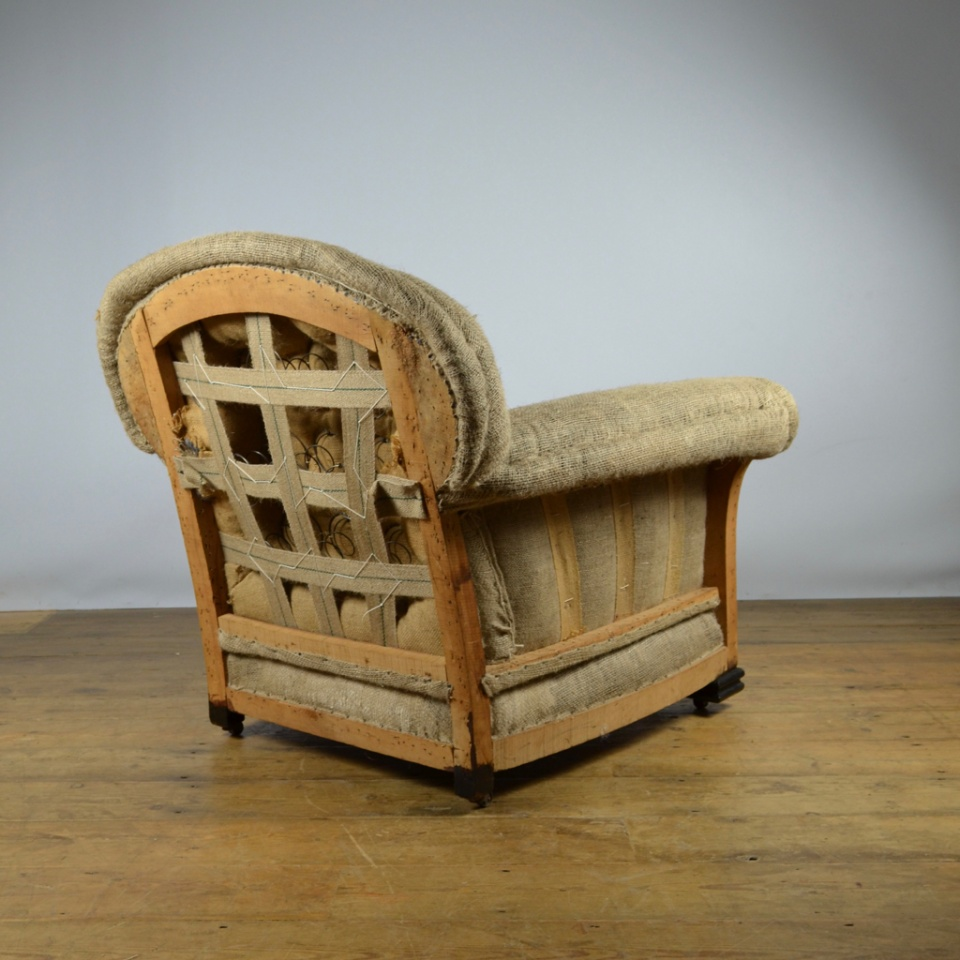 M034 - 20th Century English Armchair Inc. Full ...